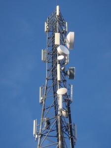 Mobilo telefonu bāzes stacijas (BS)